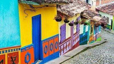 コロンビア 人気の移住地