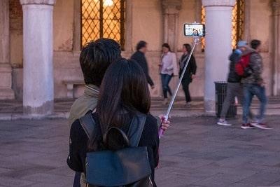 イタリアのベネチアで訪問税を払う対象