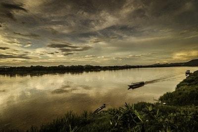 ラオス メコン川の川下り