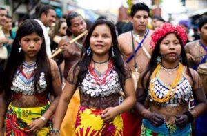 パナマの先住民 お祭り