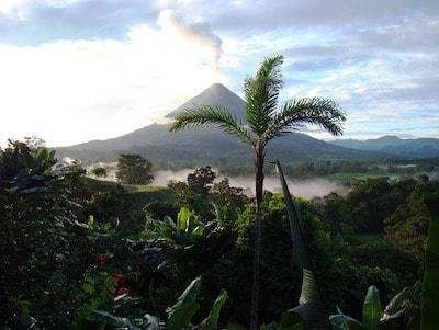 アレナル火山