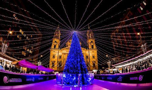 ハンガリー クリスマスマーケット
