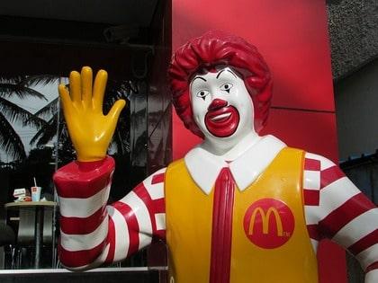 マクドナルドの社長が職場恋愛で解雇