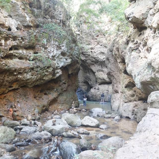 パイ ペームボック滝(Pambok waterfall)