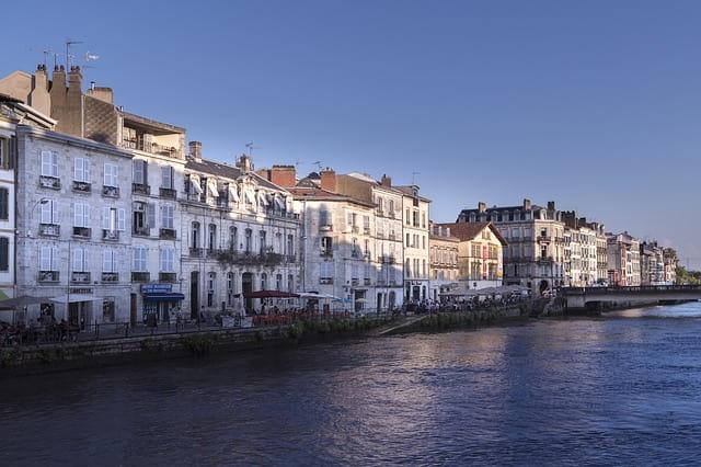 フランス 移住の人気都市 バイヨンヌ