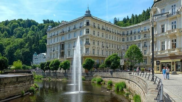 カルロヴィヴァリ Karlovy Vary 観光