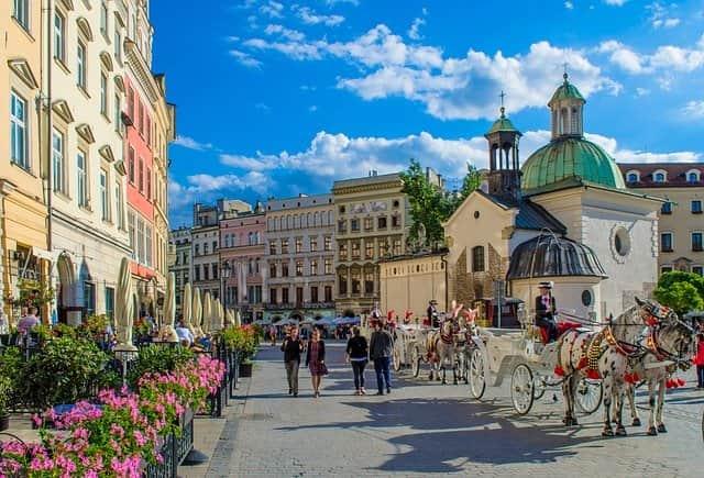 ポーランド移住 人気の都市 住み心地 クラクフ