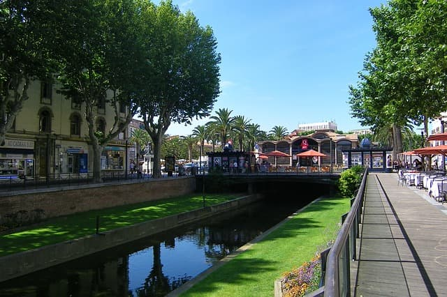 フランス 移住の人気都市 ペルピニャン