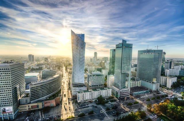 ポーランド移住 人気の都市 住み心地 ワルシャワ