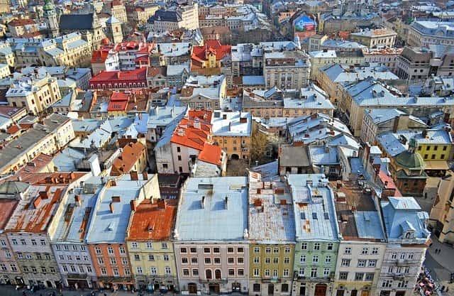 ウクライナの物価 不動産価格 家を書く