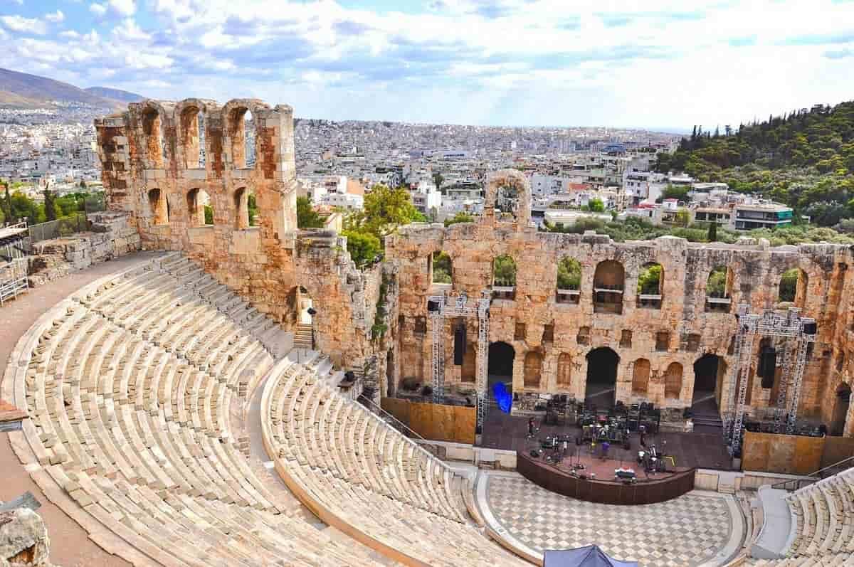 ギリシャ リタイアメントビザ取得方法 人気の街