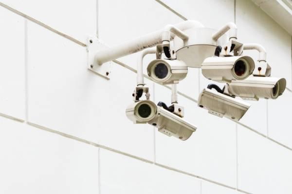 旅行に行く前に設定しよう。防犯カメラ・アルフレッドの設定や使い方を紹介!